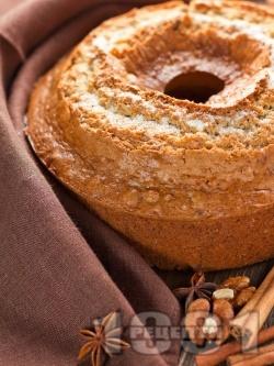 Канелен кекс с орехи и ябълки - снимка на рецептата